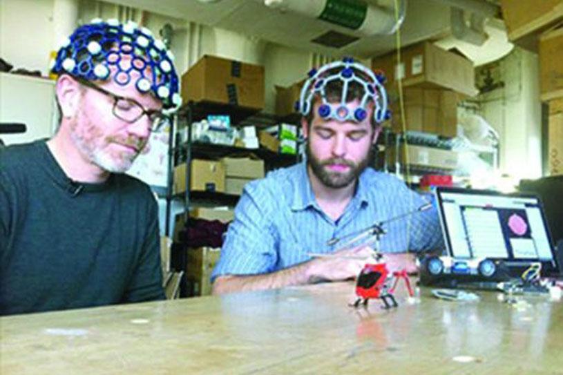 Internet ‹‹ Hackers, makers, la science des amateurs ››