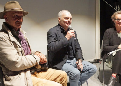 Reza, Bertrand Gallet, président d'ACTED et Cathy Jauffred, journaliste