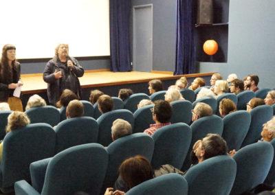 Jean-Michel Rodrigo, réalisateur échange avec le public.