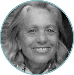 Marie Desmeuzes, co-réalisatrice pour A nos profs bien-aimés avec Christophe de Ponfilly